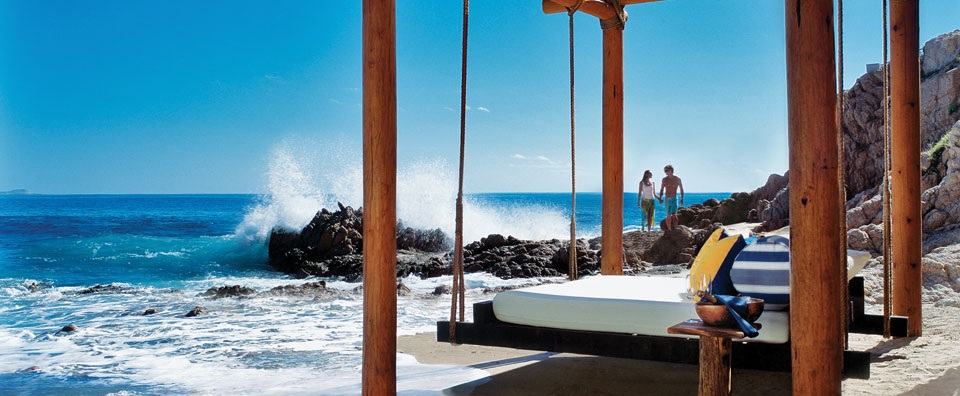 One&Only Palmilla, Los Cabos - Floating Bed